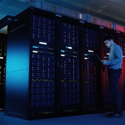 video data center IT engineer 1280x720 1 400x400 - دموی سیگما مدرن